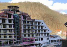 Sa hotela (Čeda kriminala) u Lukovu pala dva radnika